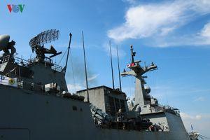 Hình ảnh tàu khu trục Hàn Quốc thăm Đà Nẵng