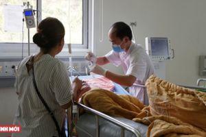 Cứu sống bệnh nhân đột quỵ não nhờ phương pháp 'gửi nhờ mảnh xương sọ xuống bụng'