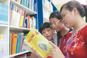 Luật giáo dục 'mở đường' cho tiêu cực sách giáo khoa