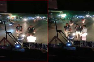 Nháy đèn pha yêu cầu tránh đường, tài xế bị côn đồ dọa giết, bắt quỳ xin lỗi