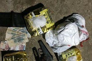 Bắt cặp vợ chồng muốn làm giàu bằng việc buôn bán ma túy