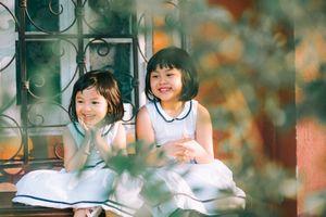 Bộ ảnh hai chị em gái đáng yêu như thiên thần 'đốn gục' trái tim cư dân mạng