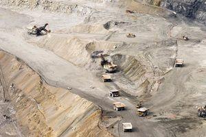 Cảnh khai thác vàng ở mỏ vàng lớn nhất thế giới