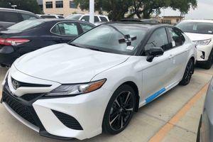 Toyota Camry 2018 bản nhập Mỹ đội giá tới 2,6 tỷ đồng