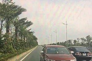Thót tim cảnh ô tô chạy ngược chiều trên đường Võ Nguyên Giáp