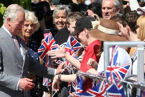 Hoàng gia Anh thăm Salisbury sau vụ 'đầu độc cựu điệp viên'