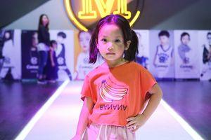 Người mẫu nhí 5 tuổi của làng mốt Việt tấn công thị trường Trung Quốc