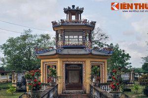 Chuyện cảm động sau lăng mộ cổ giữa thành Hoàng Đế ở Bình Định