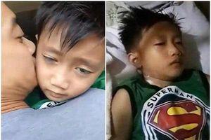 Dùng điện thoại 9 tiếng mỗi ngày, cậu bé 6 tuổi co giật liên tục