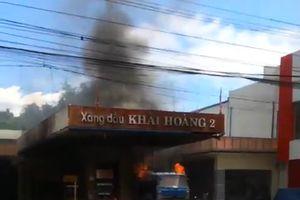 Cháy cây xăng ở Quảng Nam, nhiều người hoảng loạn tháo chạy
