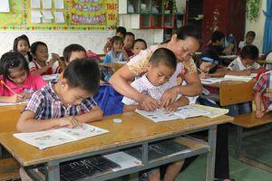 Chuyển giáo viên THCS xuống dạy tiểu học!