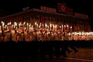 Đêm thủ đô Triều Tiên rực lửa đuốc kỷ niệm Quốc khánh