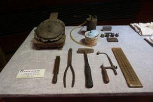Người dân hiến tặng hơn một nghìn hiện vật quý cho Bảo tàng Hà Nội