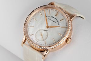 Top 10 đồng hồ hạng sang tốt nhất cho phái đẹp