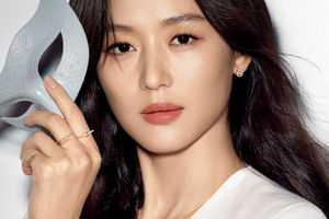 Jun Ji Hyun tái xuất, đẹp rạng ngời sau khi sinh con thứ 2