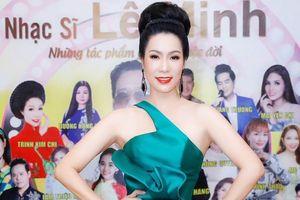 Trịnh Kim Chi khoe giọng hát trong liveshow của nhạc sĩ Lê Minh