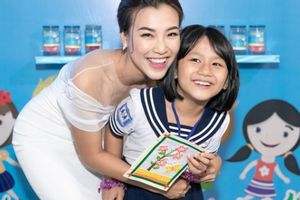 Á hậu Hoàng Oanh nhận đỡ đầu 10 trẻ em mồ côi