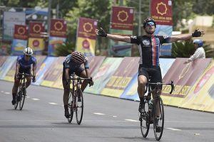 Giải xe đạp VTV Cup Tôn Hoa Sen 2018: Im Jaeyeon giật Áo xanh