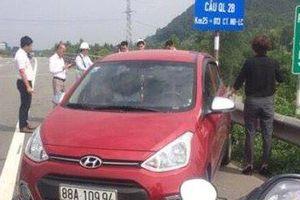 Tước GPLX 3 tháng đối với nữ tài xế chạy ô tô ngược chiều trên cao tốc