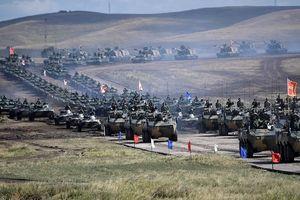 Tổng thống Nga Putin mục sở thị dàn vũ khí 'khủng' dự Vostok 2018