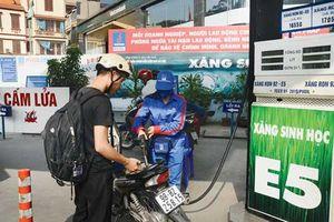 Chuyên gia kinh tế: Hoàn thuế tiêu thụ đặc biệt cho xăng E5 là hợp lý