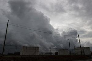 Tranh cãi việc sơ tán tù nhân lúc bão 'quái vật' Florence tiến gần Mỹ