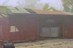 Khonh khc siêu bão Mangkhut 'quái vt' tc bay mái nhà  o Guam