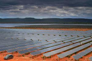 Trang trại năng lượng gió và mặt trời có thể làm mưa ở sa mạc Sahara