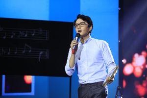 Khắc Minh 'đốn tim' khán giả khi hóa thân 'thầy giáo mưa'