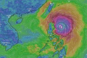 Siêu bão Mangkhut gây mưa lớn ở Đông Bắc biển Đông