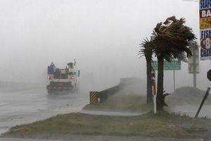 Siêu bão Florence quần thảo gây xáo trộn đời sống người dân Mỹ