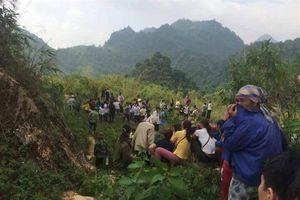 Phát hiện thi thể đang phân hủy dưới chân đèo Thung Khe
