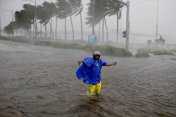 Thiệt hại ban đầu của Philippines sau khi oằn mình trong siêu bão Mangkhut