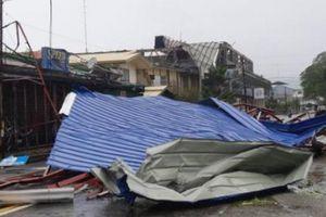 Siêu bão Mangkhut càn quét Phillipines, sức gió lên tới 270 km/giờ