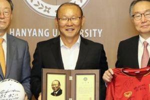 Thành công ở Việt Nam giúp HLV Park Hang-seo được tôn vinh tại Hàn Quốc