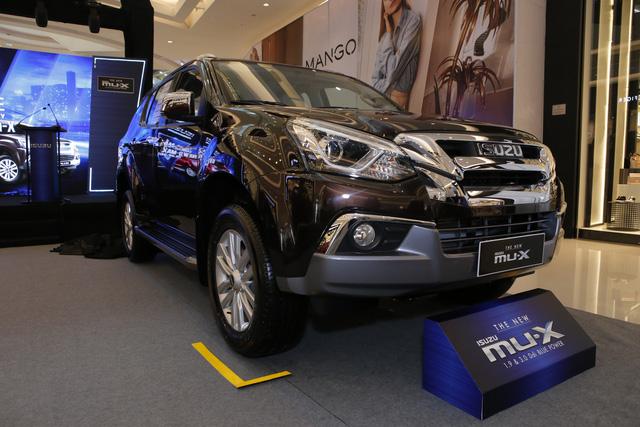 SUV rẻ nhất Việt Nam ra bản nâng cấp, giá từ 820 triệu đồng