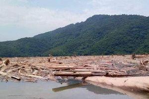 Nghệ An: Đùn đẩy trách nhiệm vệ sinh rác lòng hồ thủy điện Bản Vẽ