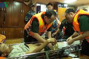Quảng Trị: Cứu sống một ngư dân gặp nạn trên biển