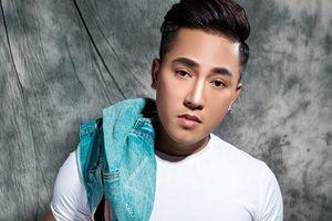 Bài hát mới của Châu Khải Phong bị nhận xét giống 'Ngắm hoa lệ rơi'
