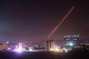 Sân bay Damascus Syria oằn mình dưới đòn tấn công tên lửa
