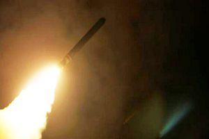 Israel dồn dập nã tên lửa vào sân bay Damascus, Syria nổi giận