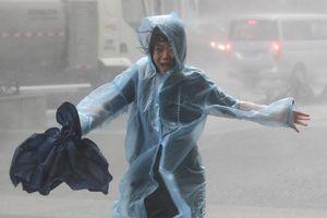 Hàng ngàn người Trung Quốc đi sơ tán vì bão Mangkhut