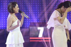 Hương Giang song ca cùng hot girl có giọng hát thảm họa