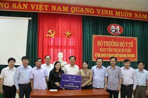 Bộ trưởng Bộ Y tế kiểm tra công tác khắc phục hậu quả lũ lụt tại Thanh Hóa