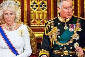 Bà Camilla từng bị Nữ hoàng Anh gọi là 'người phụ nữ xấu xa' và đề nghị Thái tử Charles ly hôn vì không thể chấp nhận được nữa