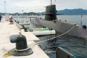 Tàu ngầm của Nhật Bản cập cảng quốc tế Cam Ranh
