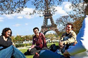 Tìm hiểu chương trình du học Pháp bằng tiếng Anh
