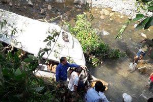 Khởi tố vụ xe bồn lao vào xe khách ở Lai Châu làm 13 người chết