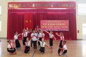 Khắc phục mưa lũ, một trường học ở Nghệ An khai giảng muộn nhất cả nước
