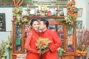 Đặng Thu Thảo rạng rỡ bên vị hôn phu trong lễ đính hôn tại Cần Thơ